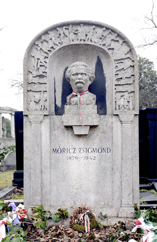 Móricz Zsigmond síremléke (Medgyessy Ferenc alkotása)